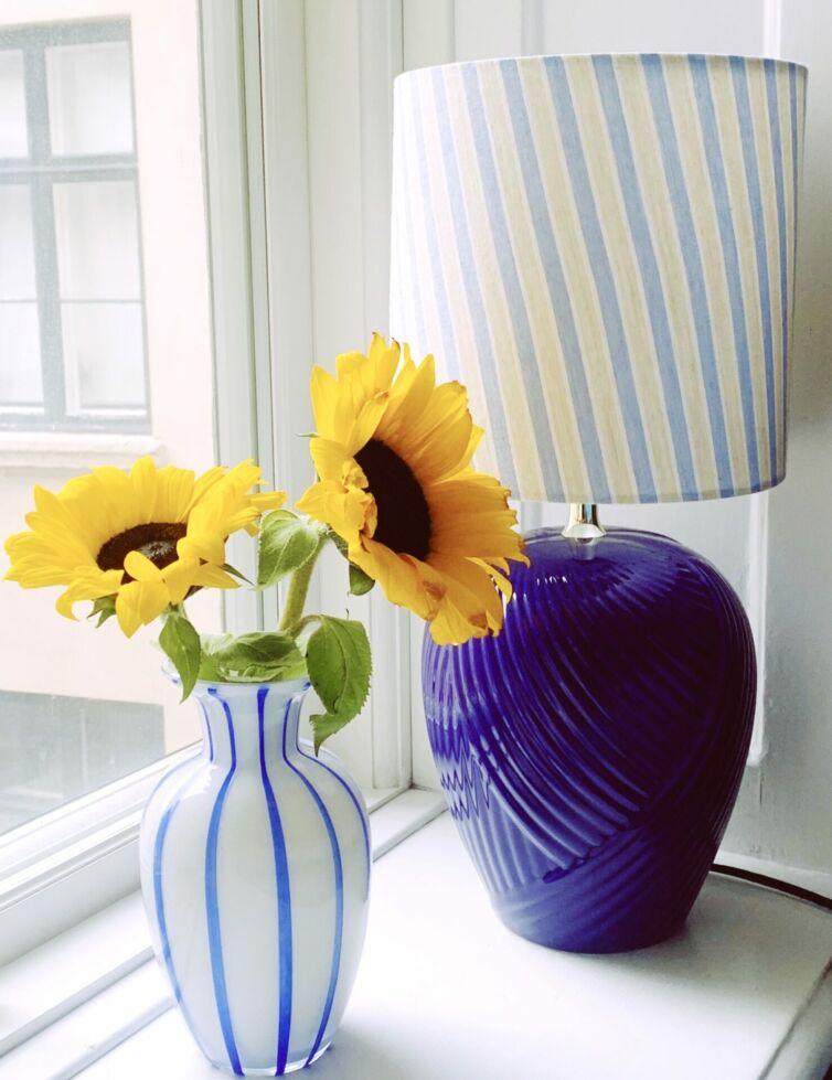 Vintage lampe med draperinger // Blå