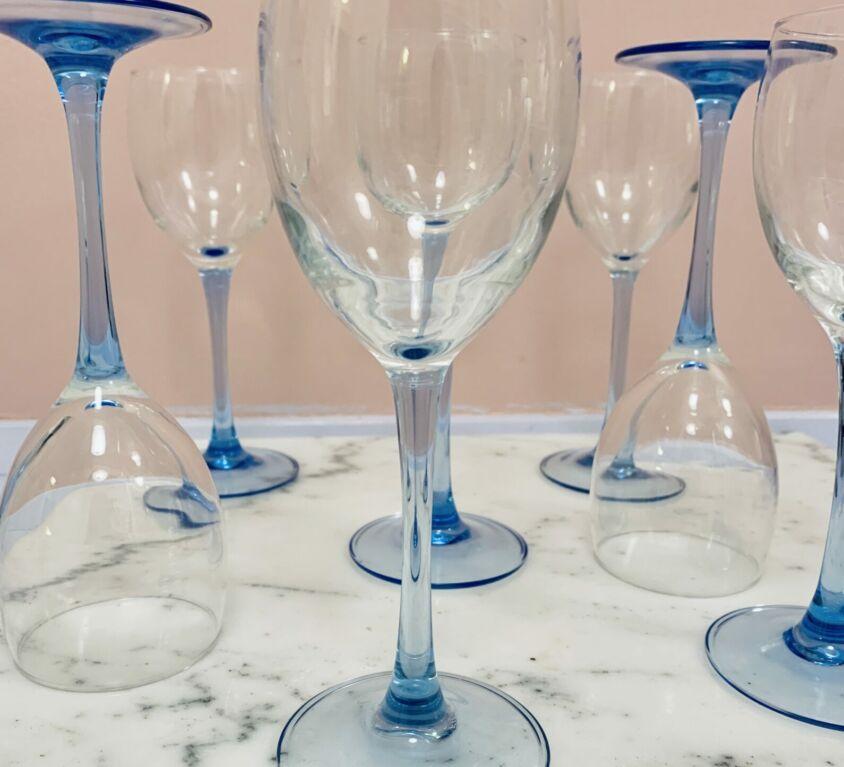 To franske rødvinsglas / Blå