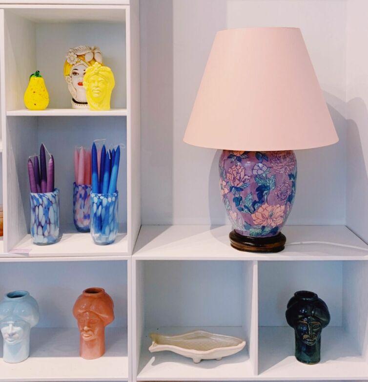 Stor vintage lampe // Lilla blomstret
